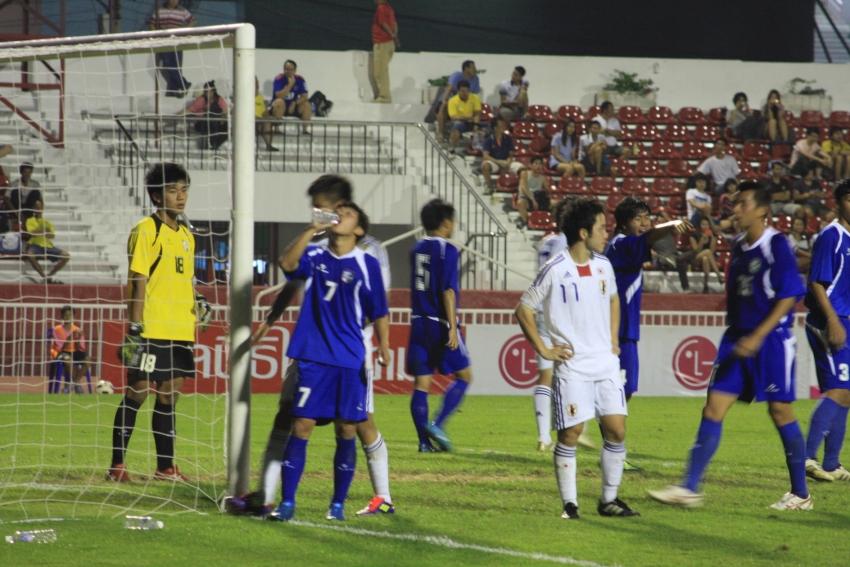 中華隊佈署,由日本隊發角球。