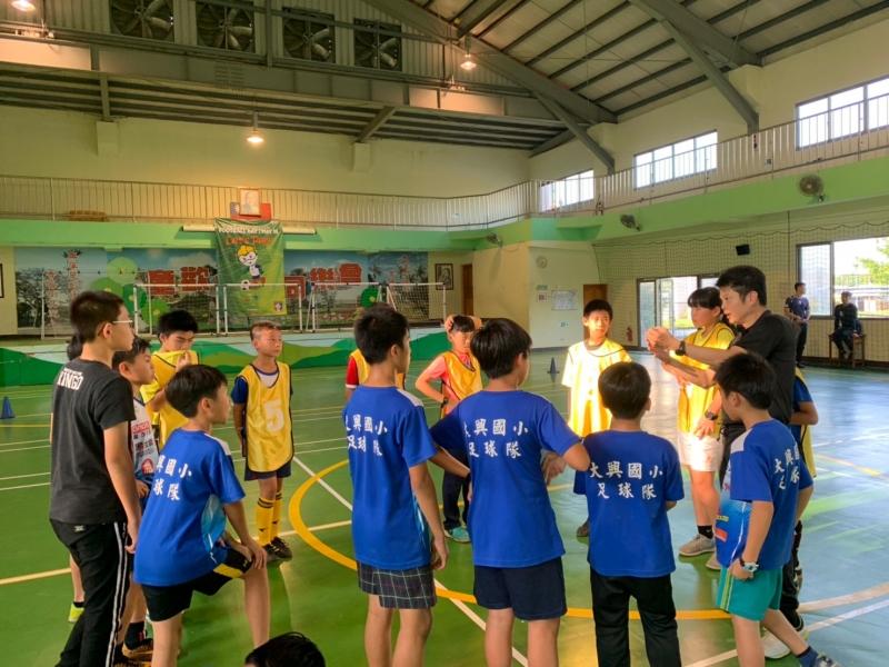 b_850_600_16777215_00_media_images_彰化草根足球教練講習0510_190511_0016.jpg