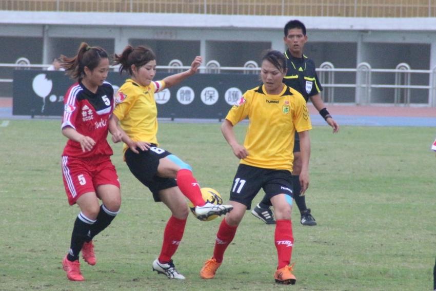 林玉惠(黃色11號)為新竹取得兩球領先