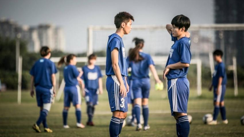 楊雅涵(左)、林雅惠攻破日本大門。(中華足協資料照片)