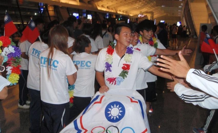 中華隊長黃正宗率領接受球界歡迎