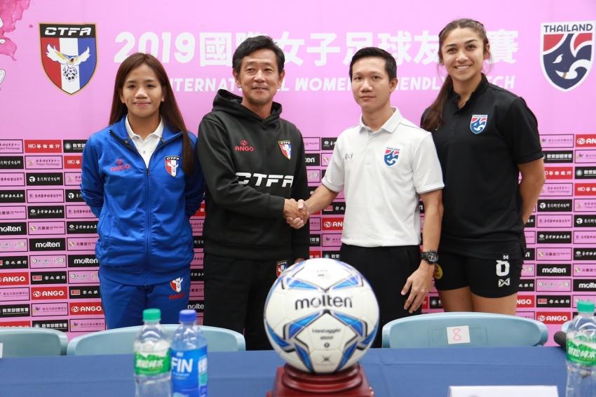 b_850_600_16777215_00_media_images_2019國際女子足球友誼賽:中華台北_v_泰國_-_雙方合照2.jpg